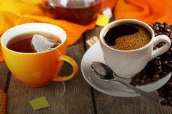 الشاي والقهوة والمشروبات التي تتوي على مادة الكافيين