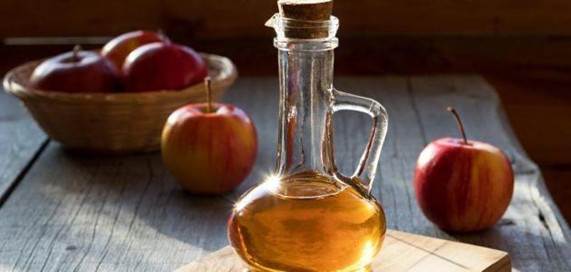 خل التفاح: لديه قدرة على تحسين عملية الأيض في الجسم، وكبح الشهية ومنع تراكم المزيد من الدهون في البطن والكبد