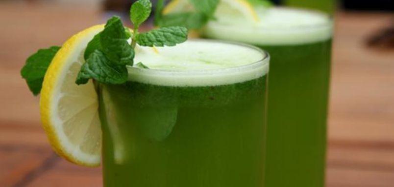 عصير الليمون أو النعناع أو شاي الأعشاب